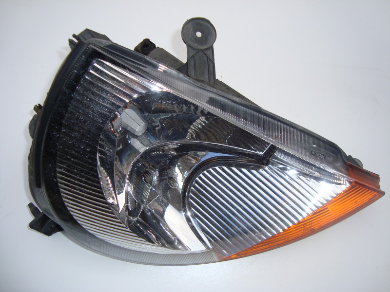 DRIVERS OFFSIDE HEADLAMP ASSEMBLY