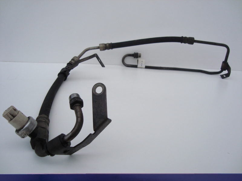 Fiesta power steering fluid pipe 1.3 HCS EFi Endura